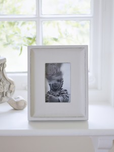 full.0q7g28662j7y8y0l white rustic frame